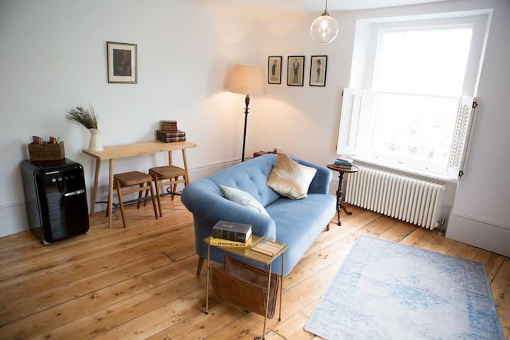 BOOK CLUB   Luxury Self-Catering, Dorset - Bridport - Apartamento