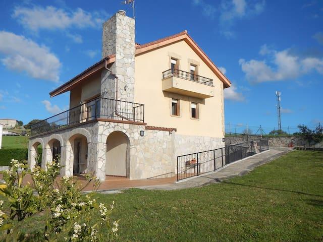 Preciosa casa individual ideal para familias - Bareyo - Huis