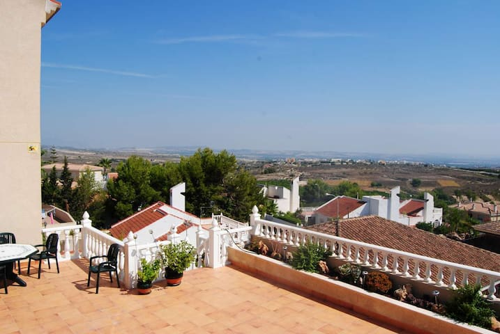 Villa with two apartment, privat pool. - San Miguel de Salinas - Rumah
