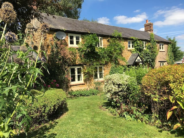 Holly Cottage - Oxfordshire - Huis