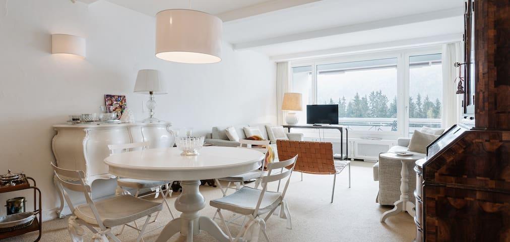 White house in the heart St.Moritz - Sankt Moritz - Apartamento