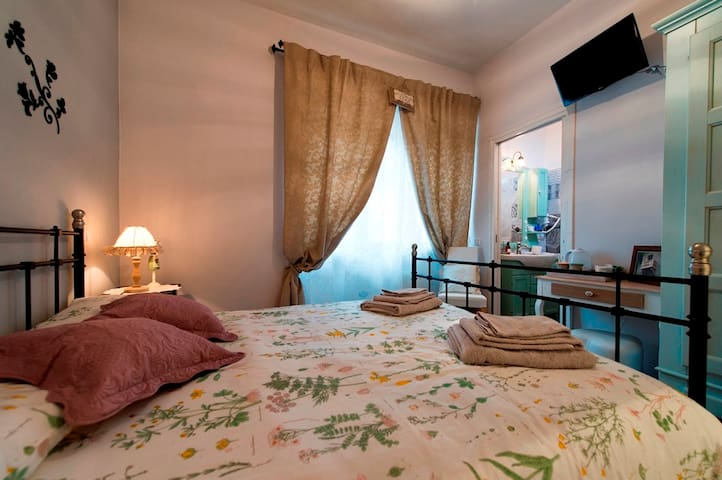 Olive camera matrimoniale in B&B - Passo Corese - Bed & Breakfast