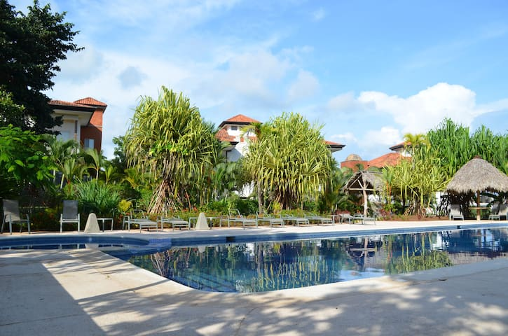 Luxury 3 bed Condo Next to Pool - Jaco - Apartamento
