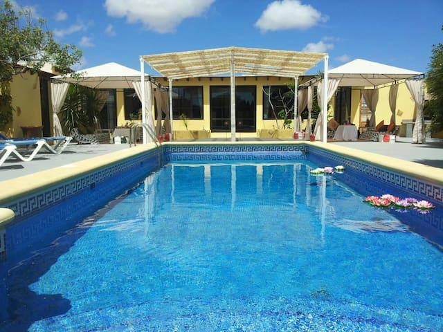 Villa Tahiche con piscina privada - Tahiche, Canarias, ES - Huis
