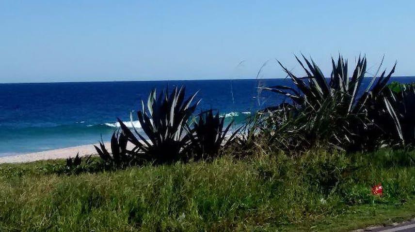 Front line the beach Regiao dos Lagos Saquararema. - Saquarema - Osakehuoneisto