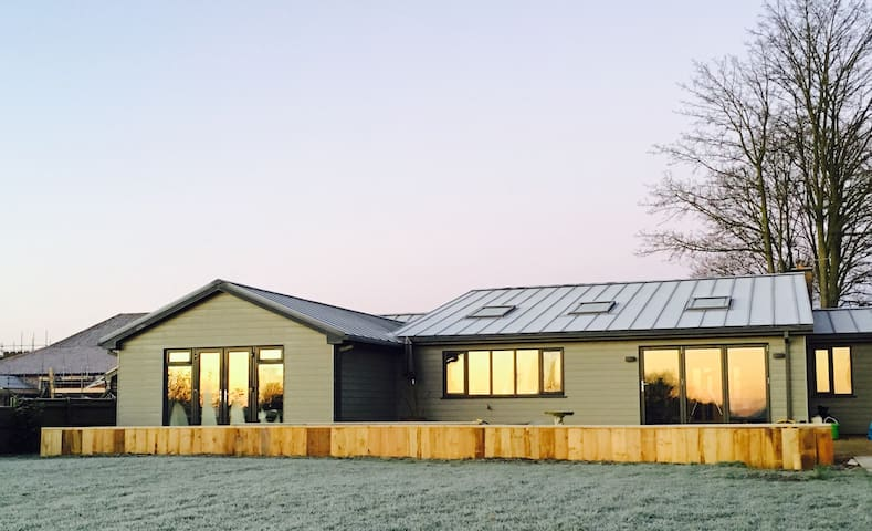 Little Lodge, a stylish home in the country - North Lopham - Bungalow