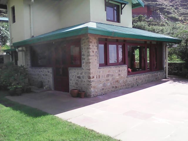 Ty Melen Cottage. - Mussoorie - Maison