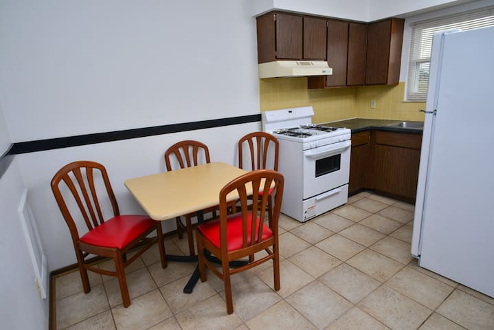 Extended Stay fully Furnished Apt - Canton