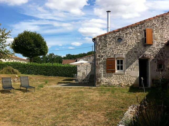 Maison traditionnelle charentaise - Lussac - Maison