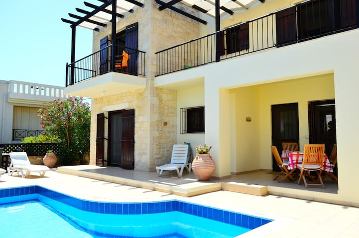 Stunning villa private pool,sea view,3bedrooms,bbq - Tavronitis