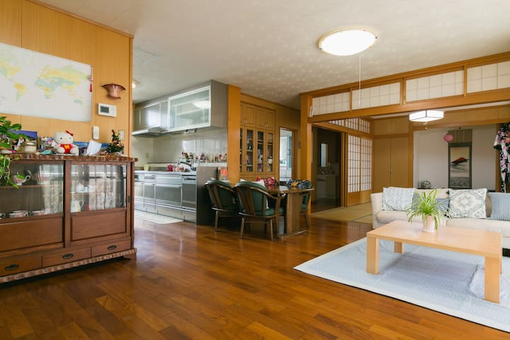 New!Feel resort mood&Japanese culture(^^)Free wifi - 沖縄市