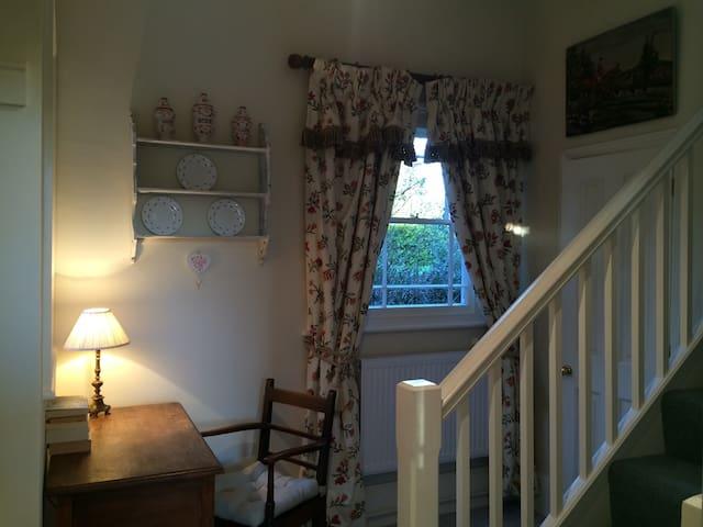 Romantic Bliss or Family Comfort. Glorious Setting - Little Horkesley