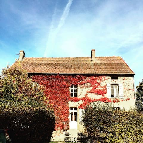 Maillon des Beaumes. Millie's Room - Saint-Thibault - Bed & Breakfast