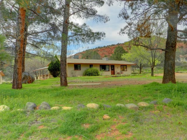 Green Acres/Cathedral Rock Room - Sedona - Bed & Breakfast