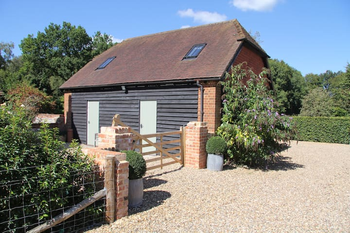 Ideally situated quiet annex close to Newbury - Penwood - Andre