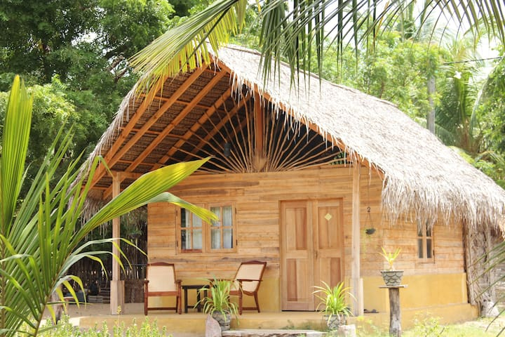 Amazing bungalow near kitesurfing lagoon - Kalpitiya - Chalé