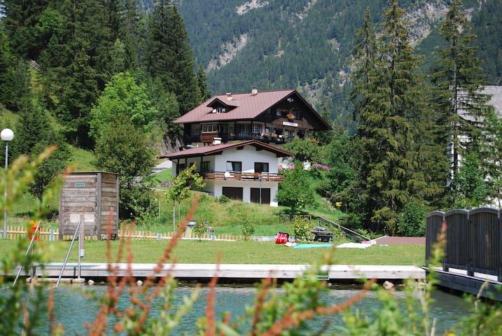 Ferienhaus Pension Tirol - Bichlbach - Hus