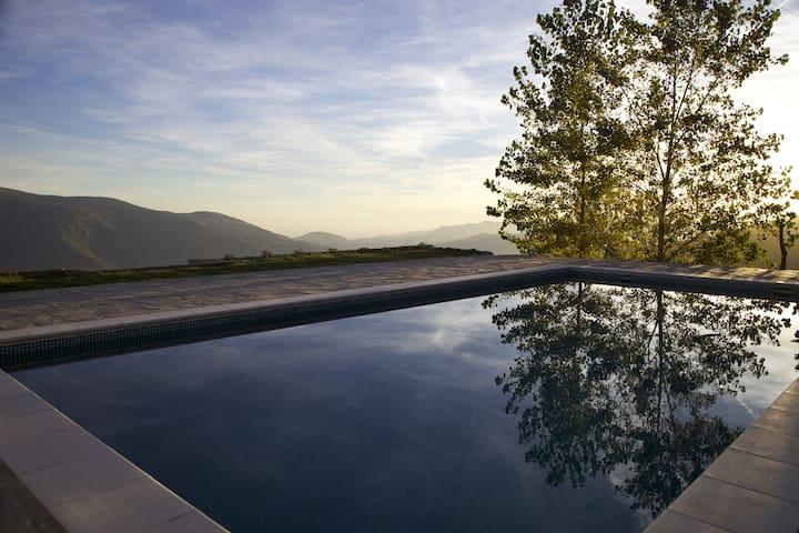 Stunning view, pool, relaxing nature (Ensuite 2) - Soportújar - Bed & Breakfast