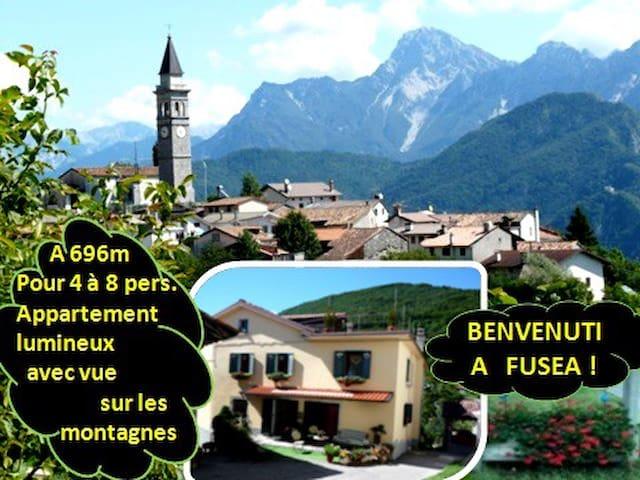 4 à 8 single/Sportifs/Amis/Gr. appart. en montagne - Tolmezzo - Huis