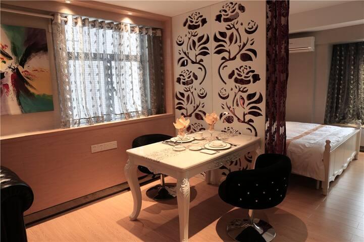 豪华大床套房 - Zhongshan - Apartamento