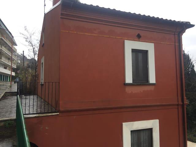 Fully detached villa close to the seaside. - Marina di San Vito - Vila