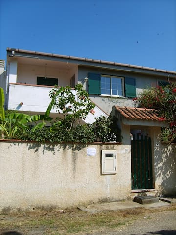 Italy Calabria S.Domenica villa rent for 8 peoples - Santa Domenica - Appartement
