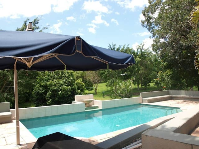 Gold Coast Hinterland Luxury Residence - Tallai - Apartament