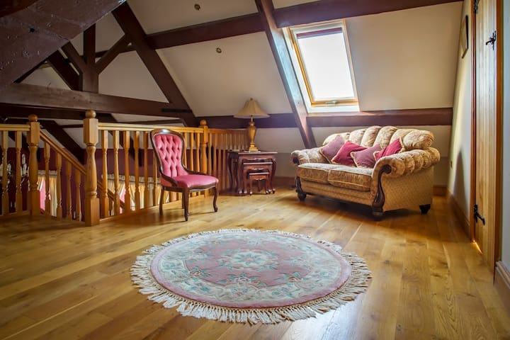 Converted Former School of charm and character - Begelly - Casa