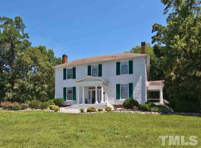 Woodside House, 3.5 miles to VIR - Milton - Casa