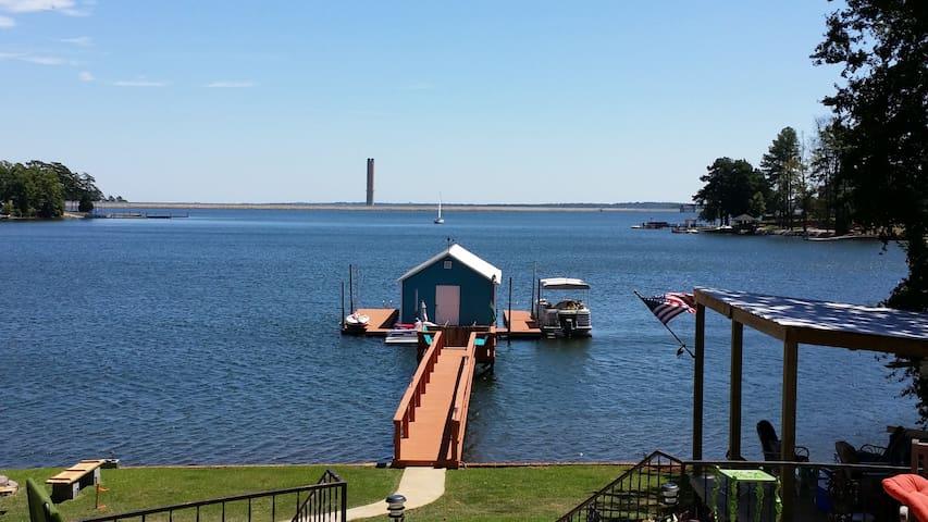 Betty's Lake House - Columbia - Talo