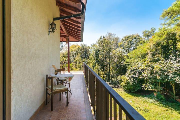 CAMERA DOPPIA + CAMERA SINGOLA CON BAGNI IN VILLA - Gaggiolo - Villa