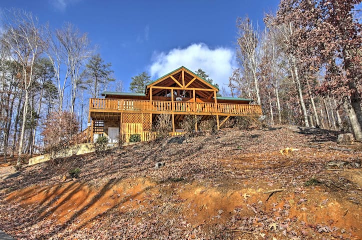 Private 3BR Near Gatlinburg and Pigeon Forge! - Cosby - Houten huisje