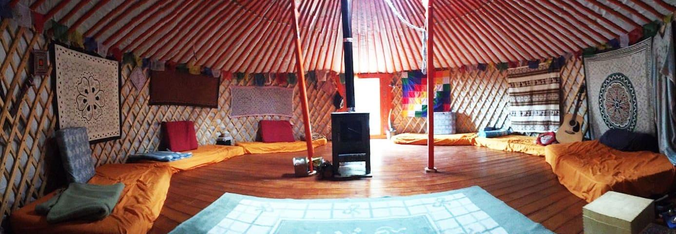 Yurta Mongol en la Montaña - Font-rubí - Kulübe