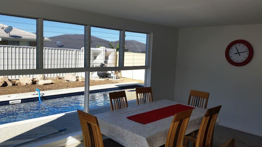 Coral St Pool House - Corindi Beach - Huis
