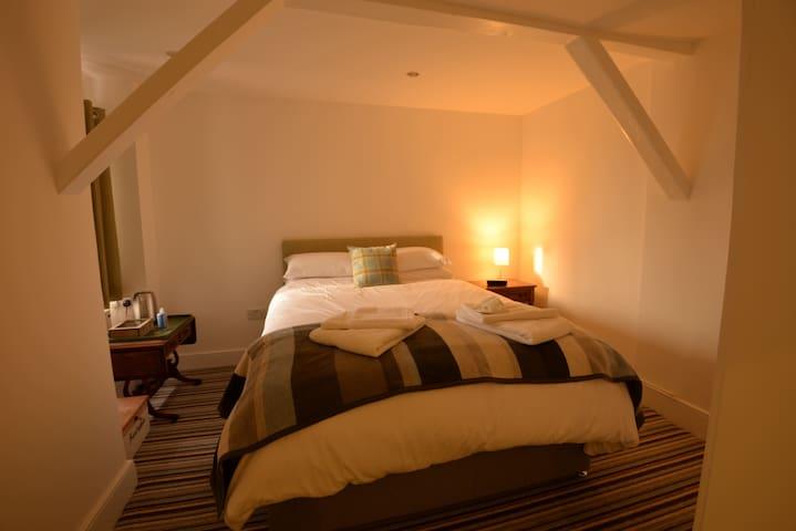 Bridge House Bed & Breakfast - Stretham - Bed & Breakfast