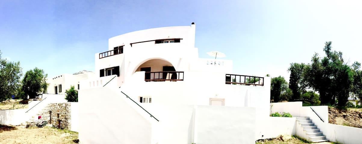 Villa in the heart of Naxos - Χαλκείο - Villa