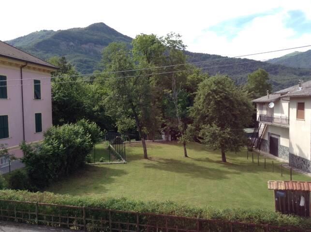 CHARMING HOME, in Val Trebbia - Rovegno - Hus