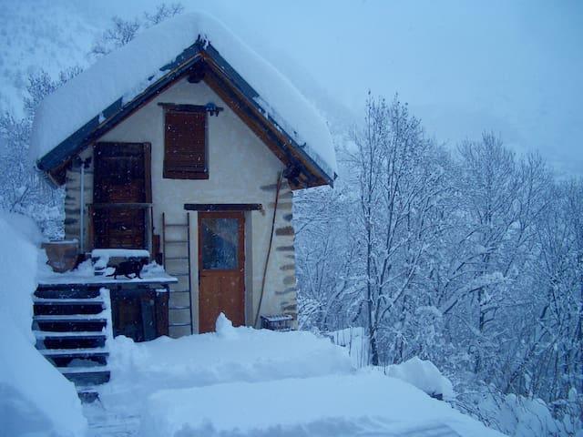 Petite Maison, 2 pers. à proximité des 2 alpes - Le Freney-d'Oisans