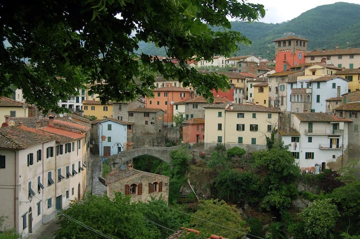 Tuscany apartment nearby Florence, Siena, Arezzo - Loro Ciuffenna - Apartment
