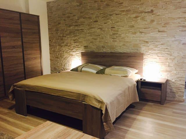Krásný apartment11 s výřivkou pro 2 osoby - 奧洛穆克(Olomouc) - 公寓