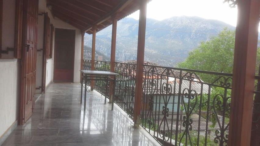 Beautiful cottage near snow center - Polydrosos - Casa