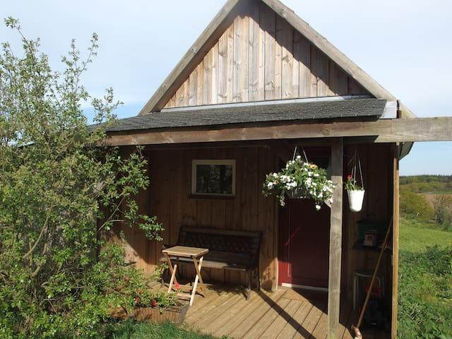 Confortable woodhouse at Farm Mellon - Plouguernével