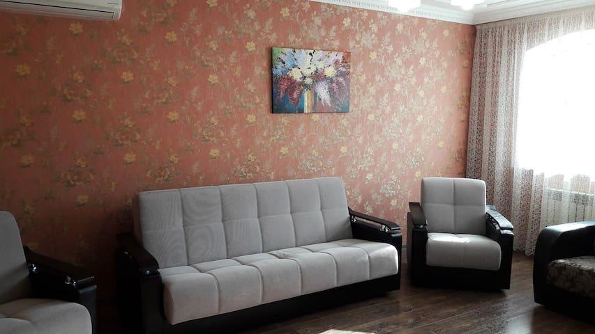 Уютная квартира с двумя спальнями - Железноводск