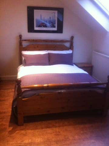 Self catering apartment with optional breakfast - Powmill - Loft