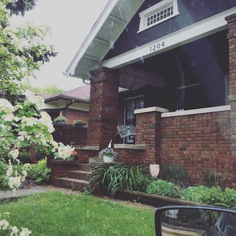 Comfy Washington Park Bungalow - Springfield - Bungalow