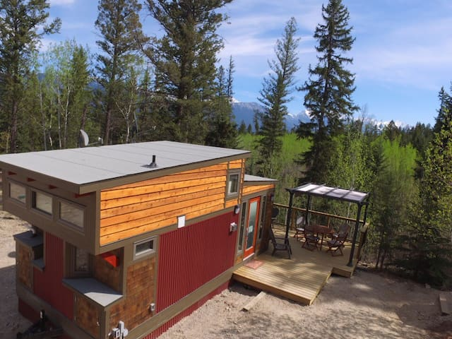New Tiny House on Creekside Acreage - Invermere - Huis