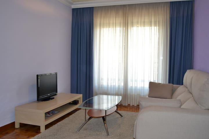 Apartamento Turístico (3 dormitorios) - Pamplona - Leilighet