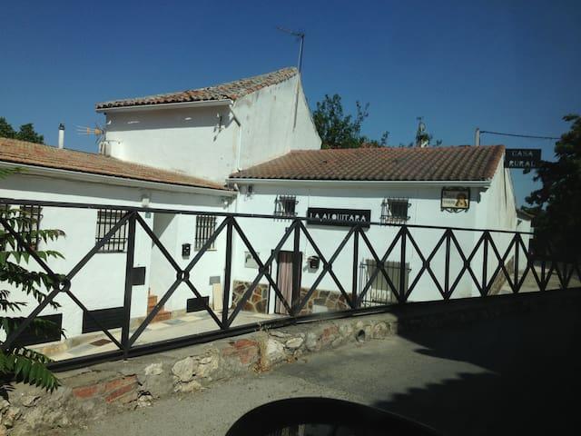 Home village with charm - Villar del Olmo - Ev