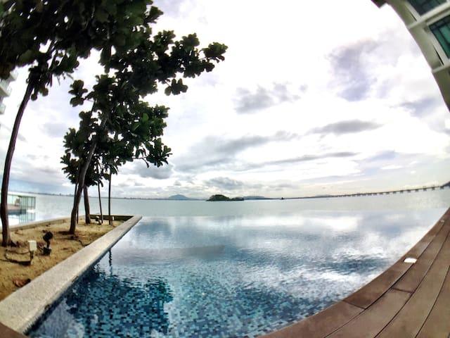 Luxe sea view retreat with top notch facilities - Gelugor - Apartmen
