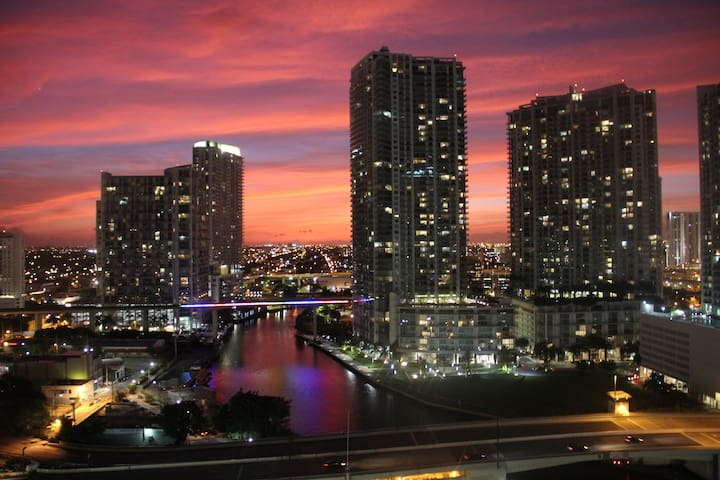 Beautiful BR in Luxury building in Brickell - Miami - Appartamento